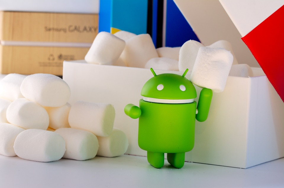 Android robot Alpha and Beta-testing on Android devices